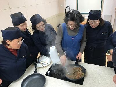 향토음식자원화연구회 활동-맥적, 녹두나물생채 실습